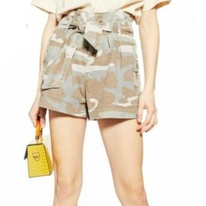 Topshop Camouflage Paperbag Shorts in Olive Multi